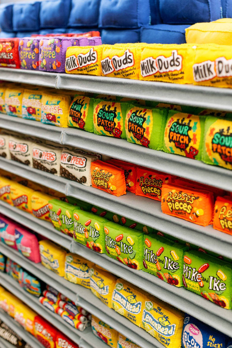 felt supermarket la standard hotel lucy sparrow 15 Sparrow Mart, an All Felt Supermarket With 31,000 Handmade Items