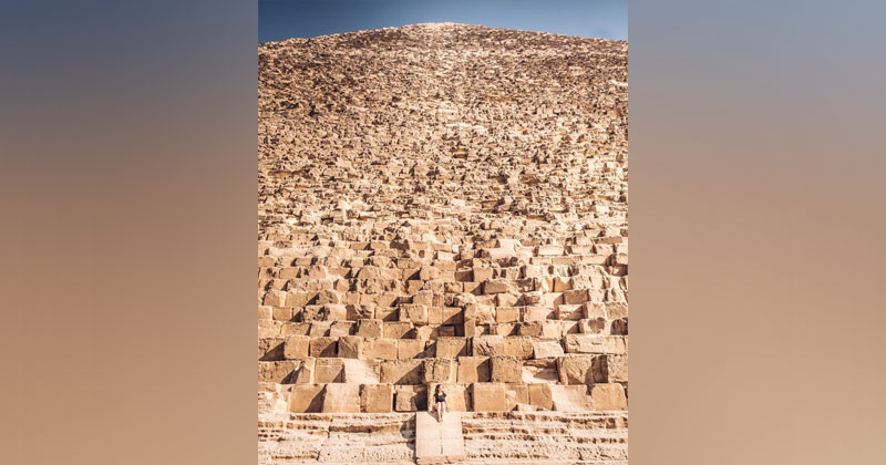Cool Close Up Puts Immensity of Great Pyramid of Giza Into Perspective