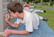 Belgian Students Commemorate 100 Years By Restoring Graves of WW1 Soldiers