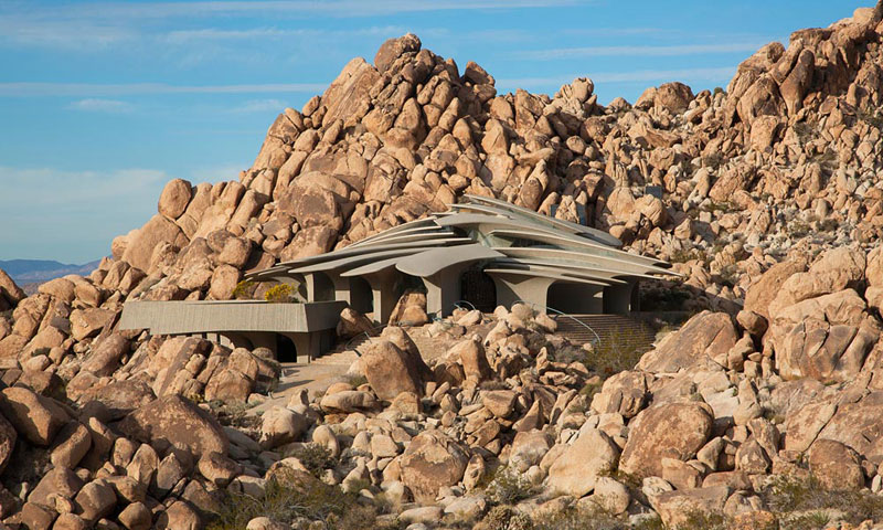 desert house by ken kellogg john vugrin 3 This Organic Desert House in Joshua Tree, CA is at One With Its Environment