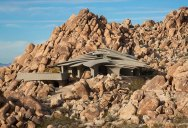 This Organic Desert House in Joshua Tree, CA is at One With Its Environment