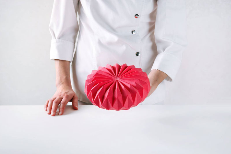 dinara kasko cake art 15 Dinara Kasko Continues to Push the Boundaries of Pastry Design (21 Photos)