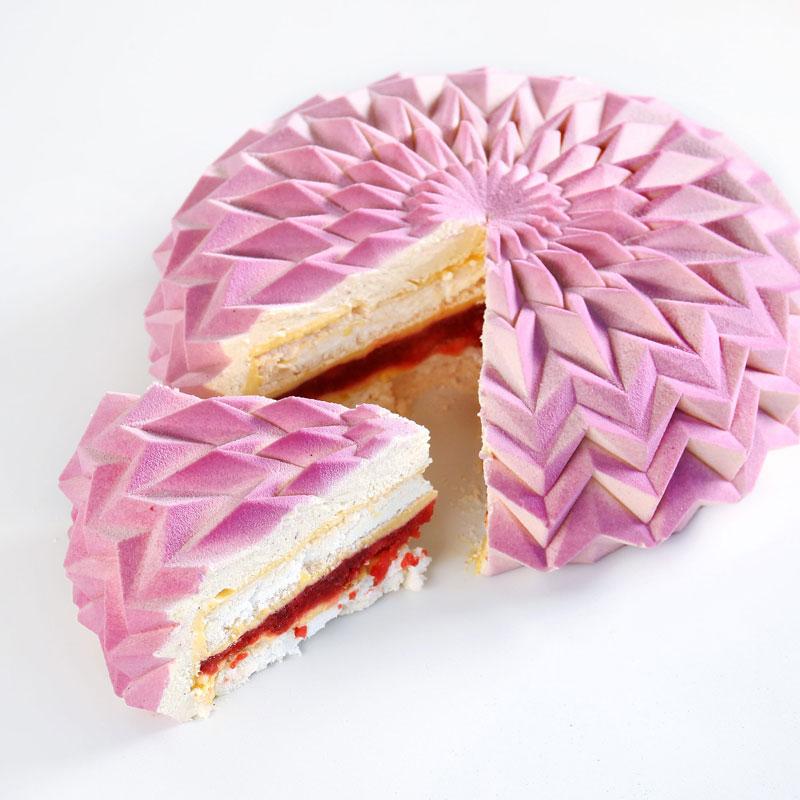 dinara kasko cake art 19 Dinara Kasko Continues to Push the Boundaries of Pastry Design (21 Photos)
