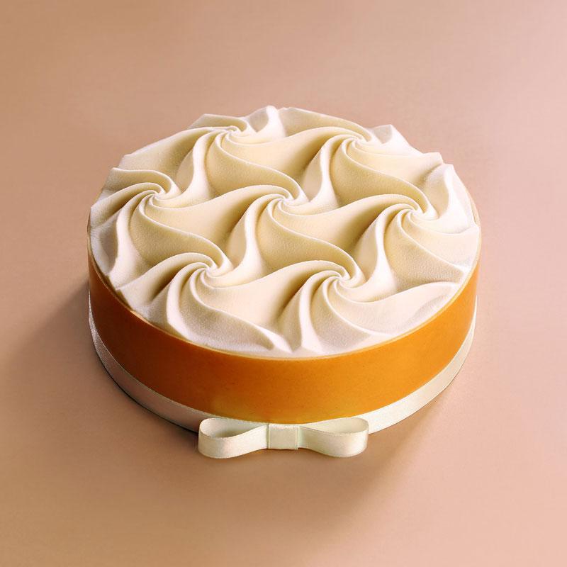dinara kasko cake art 20 Dinara Kasko Continues to Push the Boundaries of Pastry Design (21 Photos)