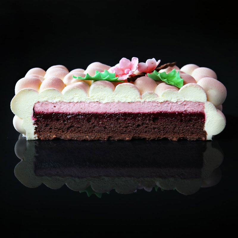 dinara kasko cake art 9 Dinara Kasko Continues to Push the Boundaries of Pastry Design (21 Photos)