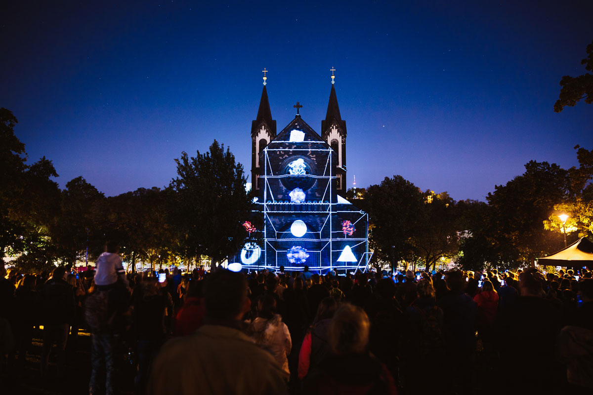 signal2018 duc5a1an vondra a6a9551 Theres an Annual Light Festival in Prague and It Looks Amazing
