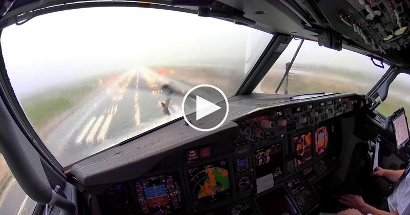 [4K Pilot POV] Landing in an Intense Thunderstorm at Palma de Mallorca
