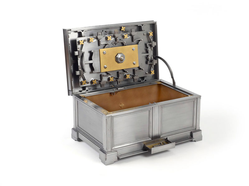 all metal puzzle box by seth gould 2 This Puzzle Box Forged Entirely From Metal is Incredible