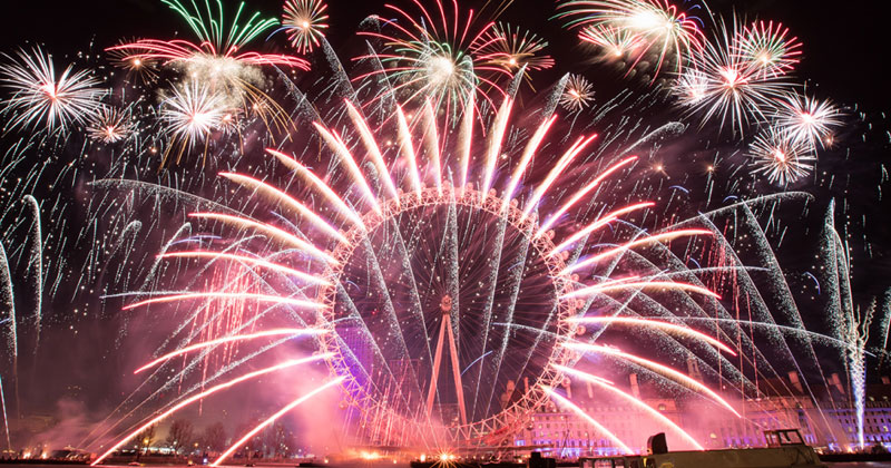 Amazing Videos of New Year's 2019 Fireworks Around the World