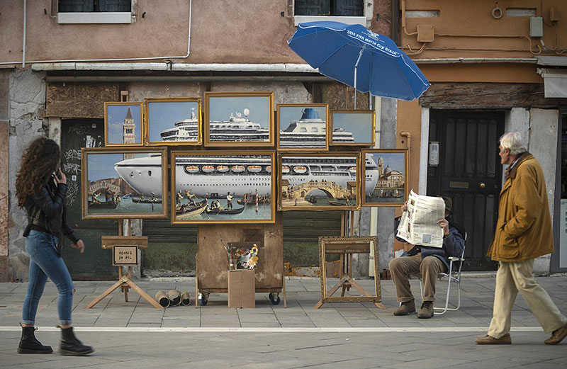banksy venice in oil Banksy Crashes the Venice Biennale