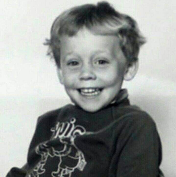 loki cast of avengers when they were young The Avengers When They Were Young (25 Photos)
