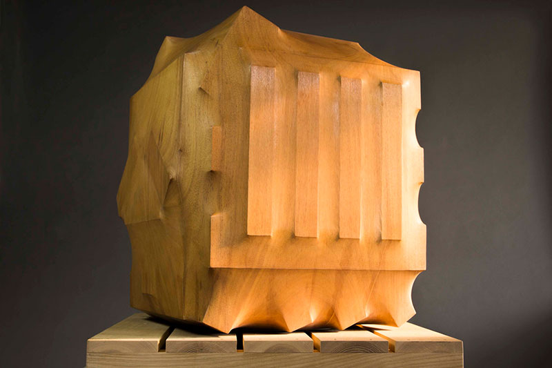 trapped in wood sculptures carved by tung ming chin 14 Trapped in Wood: Haunting Sculptures Carved by Tung Ming Chin