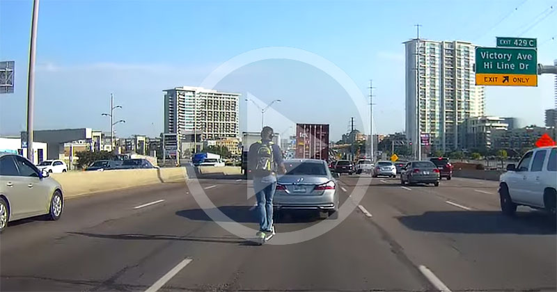Guy on Rented Scooter Crosses 5 Highway Lanes Wearing Headphones