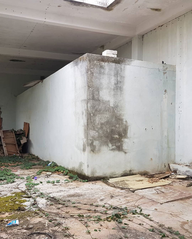 street artist odeith turns block wall into bus 2 Street Artist Transforms Old Block Wall Into Something Far More Creative