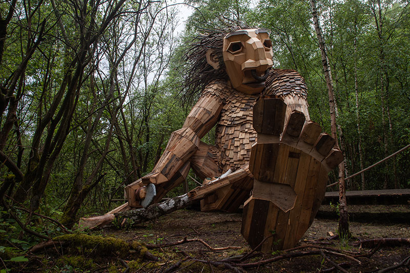 the 7 trolls and the magical tower by thomas dambo 4 The Tale of the 7 Trolls and the Magical Tower of Belgium
