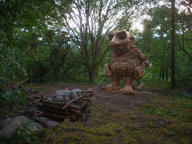 the 7 trolls and the magical tower by thomas dambo 6 The Tale of the 7 Trolls and the Magical Tower of Belgium