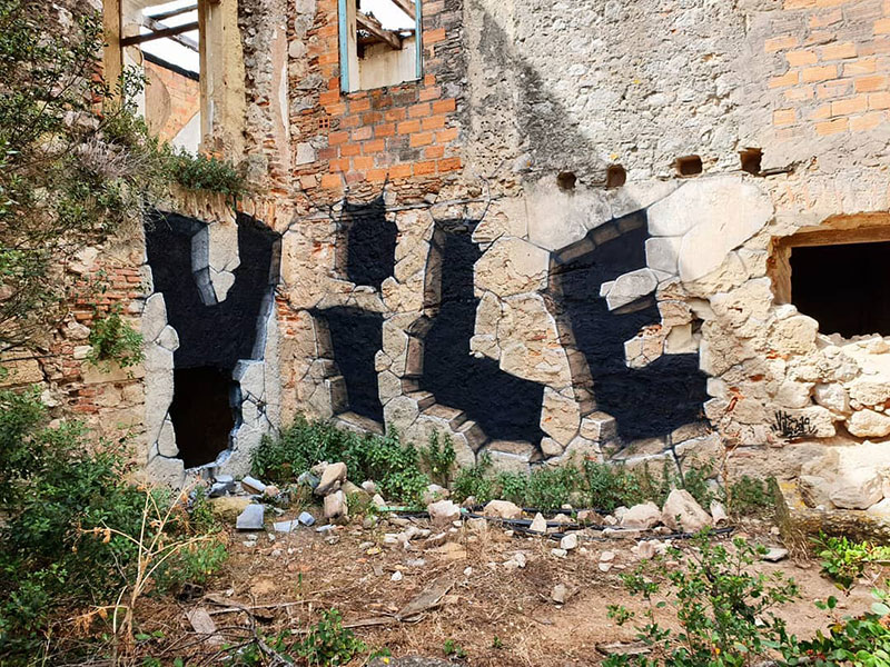 street artist vile fools viewers into believing he cut actual walls out 4 Surreal Street Artworks That Looks Like the Walls Were Chiselled Out