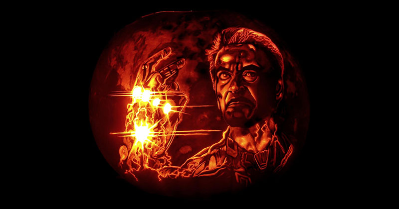 This Guy Snapped on His Pumpkin Carving This Year