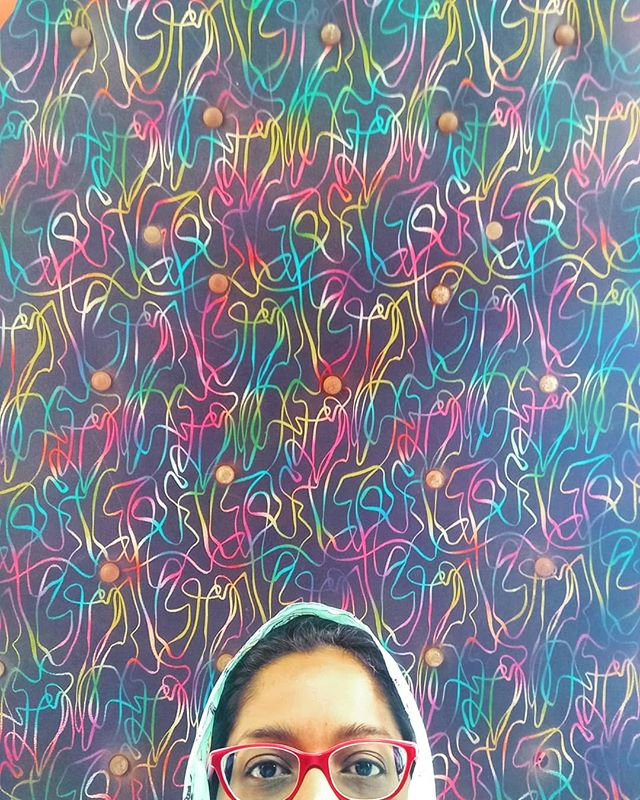 colorful taxi ceilings mumbai by rachel lopez 25 The Wonderfully Decorative Ceilings of Taxis in Mumbai (28 Photos)