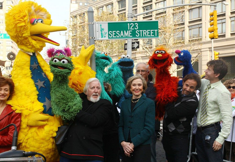 big bird caroll spinney 16 In Memory: 10 Things About Caroll Spinney, the Master Puppeteer Behind Big Bird