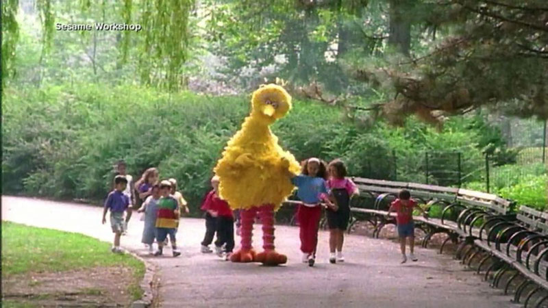 big bird caroll spinney 3 In Memory: 10 Things About Caroll Spinney, the Master Puppeteer Behind Big Bird