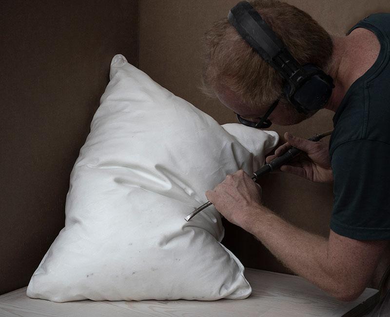 marble pillow sculptures by hakon anton fageras 8 Marble Pillows Chiseled by Hakon Anton Fageras