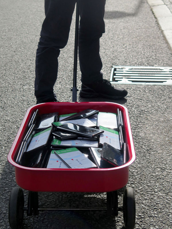 google maps hacks by simon weckert 1 Guy Hacks Google Maps With 99 Phones and a Little Red Wagon