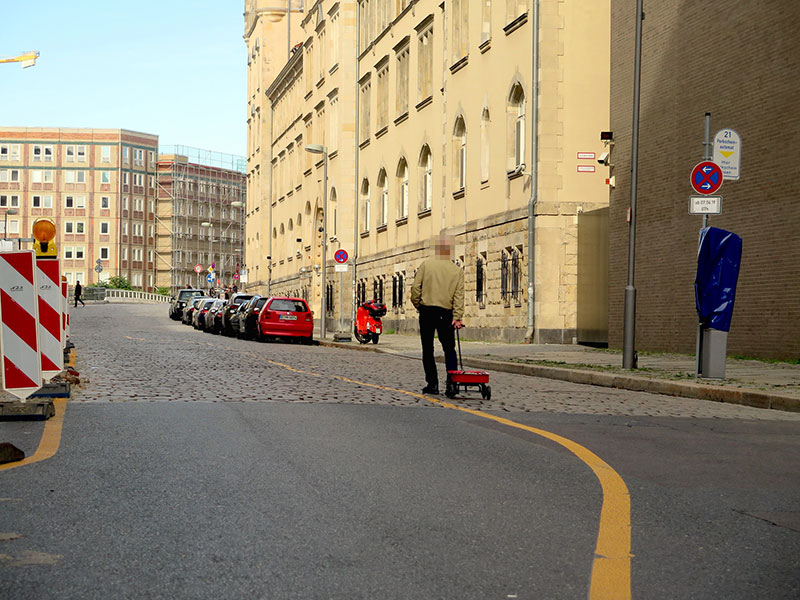 google maps hacks by simon weckert 2 Guy Hacks Google Maps With 99 Phones and a Little Red Wagon
