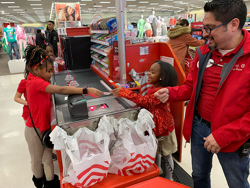 little girl has birthday party at target twitter 4 All She Wanted Was a Birthday Party at Target and This Store Made It Happen