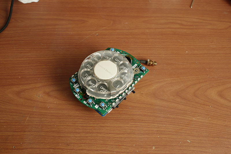 rotary cellphone by justine haupt 11 This Space Engineer Hates Touchscreens So She Built a Rotary Cellphone