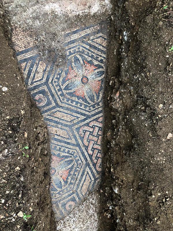 3rd century roman mosaic discovered under vineyard in italy 5 Stunning 3rd Century Roman Mosaic Discovered Under Vineyard in Italy