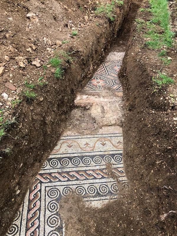 3rd century roman mosaic discovered under vineyard in italy 6 Stunning 3rd Century Roman Mosaic Discovered Under Vineyard in Italy