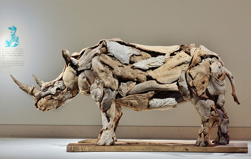 driftwood animal sculptures by jeffro uitto 1 Jeffro Uitto Uses Driftwood to Make the Most Amazing Animal Sculptures Weve Seen