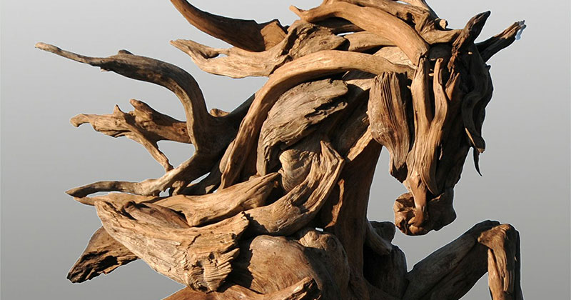 Jeffro Uitto Uses Driftwood to Make the Most Amazing Animal Sculptures We've Seen