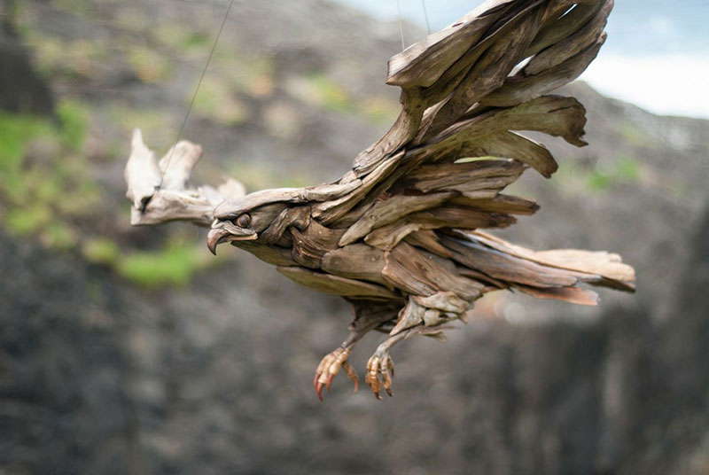 driftwood animal sculptures by jeffro uitto 2 Jeffro Uitto Uses Driftwood to Make the Most Amazing Animal Sculptures Weve Seen