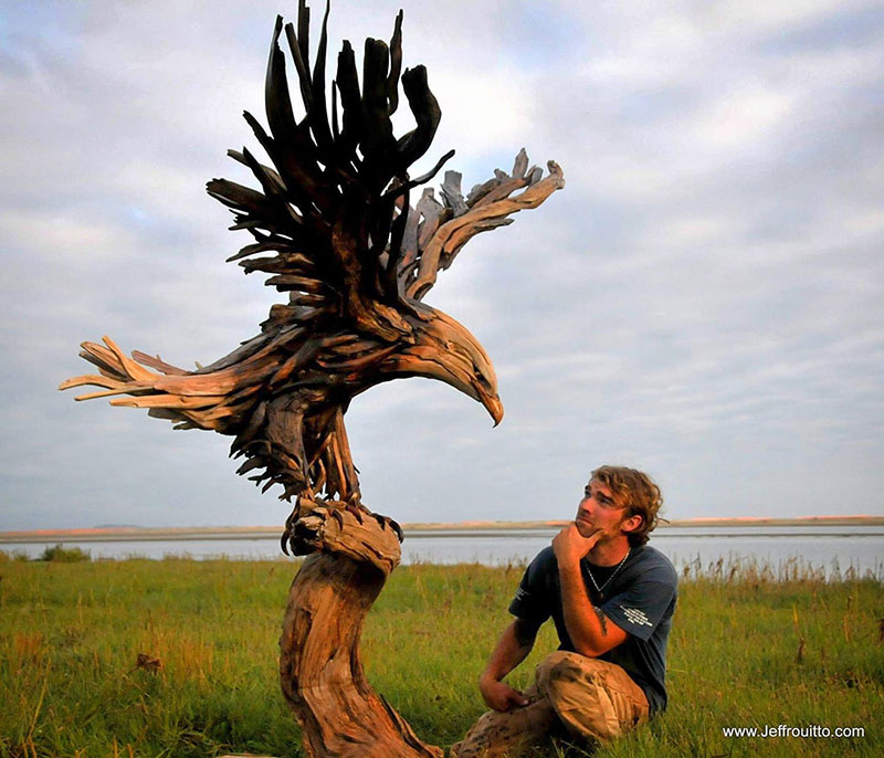 driftwood animal sculptures by jeffro uitto 7 Jeffro Uitto Uses Driftwood to Make the Most Amazing Animal Sculptures Weve Seen