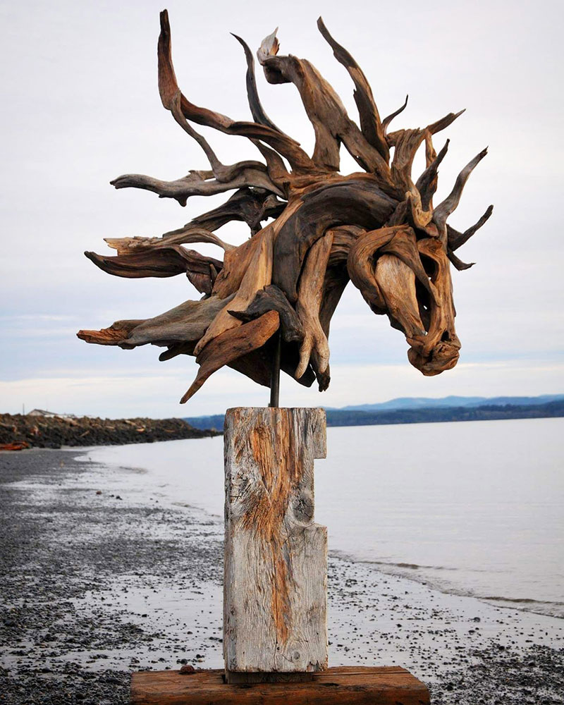 driftwood animal sculptures by jeffro uitto 8 Jeffro Uitto Uses Driftwood to Make the Most Amazing Animal Sculptures Weve Seen