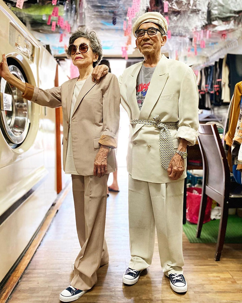 elderly couple model clothes left at their laundromat 8 Married For 60 Years, This Couple Finds Fun Modelling Clothes Left at Their Laundromat
