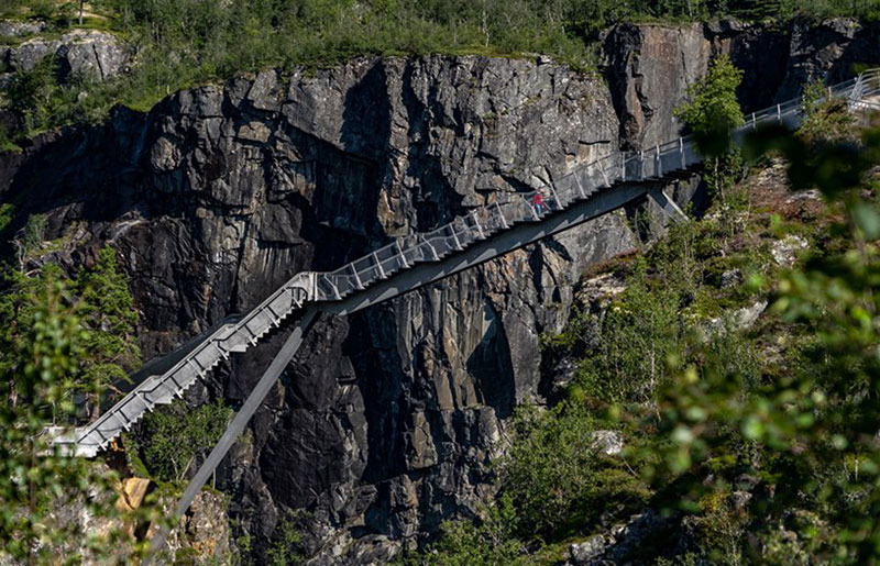 norway just built a 99 step bridge over their most iconic waterfall 17 Norway Just Built a 99 Step Bridge Over Their Most Iconic Waterfall