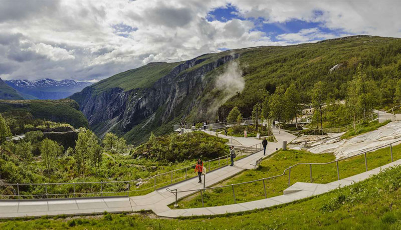 norway just built a 99 step bridge over their most iconic waterfall 2 Norway Just Built a 99 Step Bridge Over Their Most Iconic Waterfall