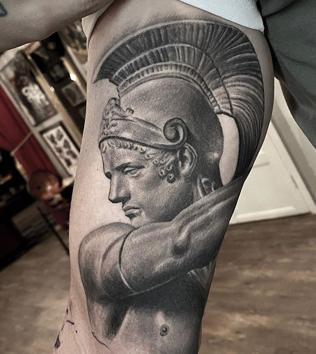 ancient greek and roman art tattoos by mr t stucklife 6 These Ancient Greek and Roman Art Tattoos are Amazing