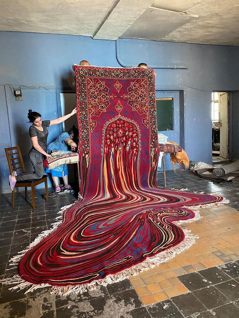 melting glitch rug by faig ahmed 3 1 This Melting Glitch Rug by Faig Ahmed is Incredible
