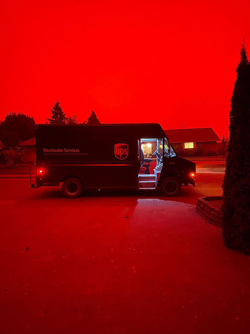 wildfires are raging in the us and it looks straight apocalyptic outside 4 Wildfires are Raging in the US and It Looks Straight Apocalyptic Outside