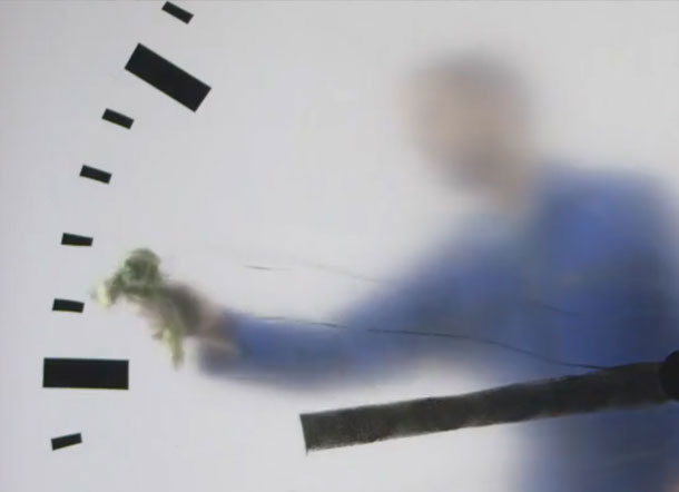 clock with man behind it real time by maarten baas schiphol airport 3 This Surreal Clock at Schiphol Airport Looks Like Someone is Painting the Time