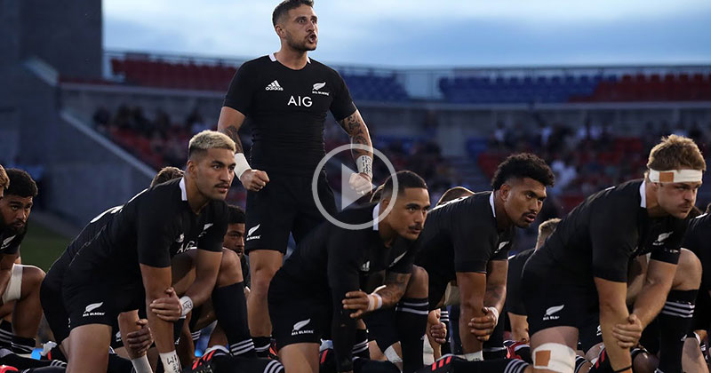All Blacks Pay Tribute to Maradona With Amazing Haka