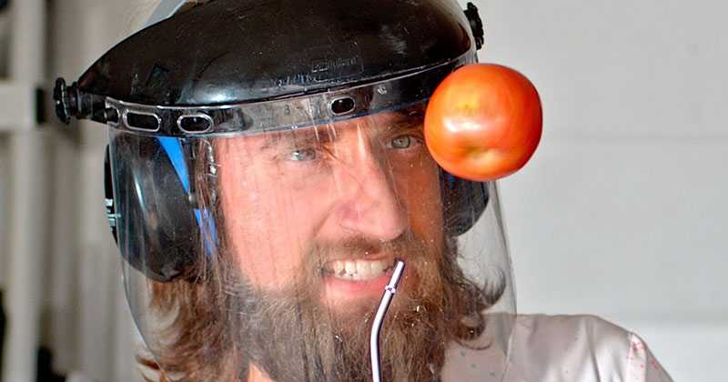 4K: Spinning an Apple Until it Explodes at 28,500 FPS