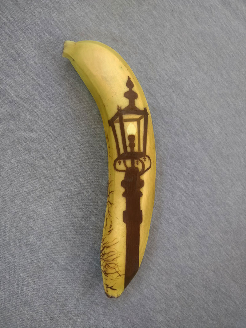 bruised banana art by anna chojnicka 12 Amazing Banana Art Made by Poking and Bruising the Skin, No Ink is Used
