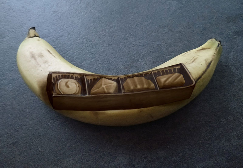 bruised banana art by anna chojnicka 13 Amazing Banana Art Made by Poking and Bruising the Skin, No Ink is Used