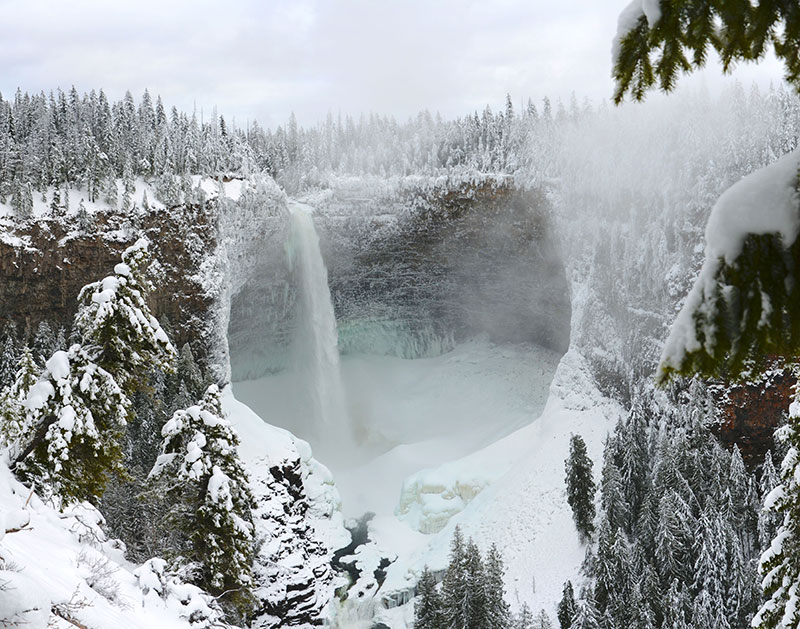 helmcken falls wells gray provincial park bc canada 2 Helmcken Falls in BC, Canada Looks Incredible No Matter What the Season Is