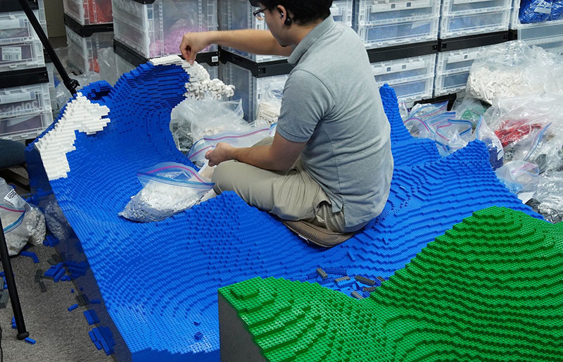 lego great wave off kanagawa jumpei mitsui 4 The Worlds Youngest Ever Lego Certified Professional Just Made this 50,000 piece Great Wave